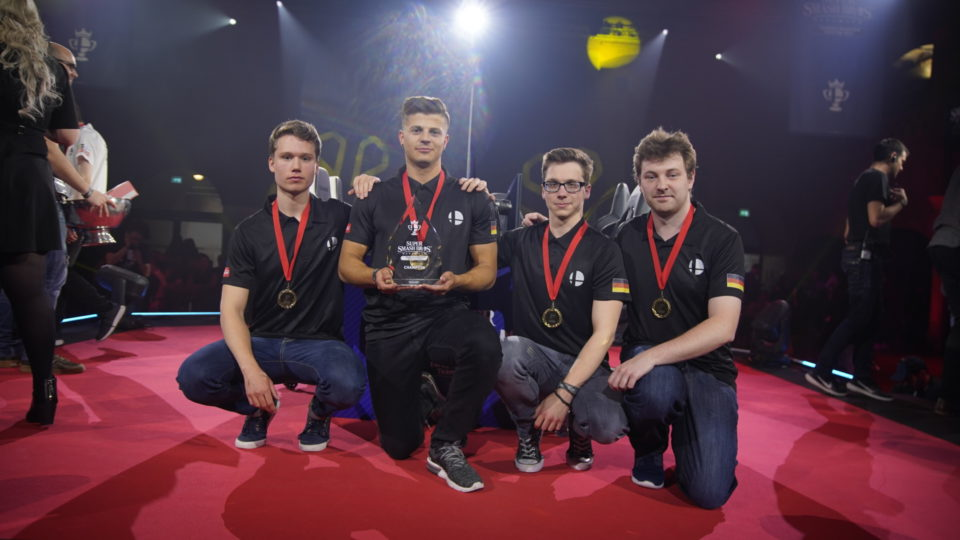 Grand final 7 Team Ehre Germany with the trophy